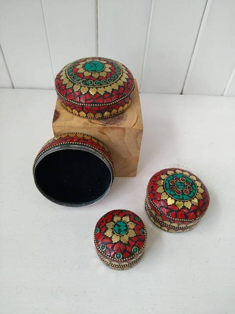 red trinket box trio