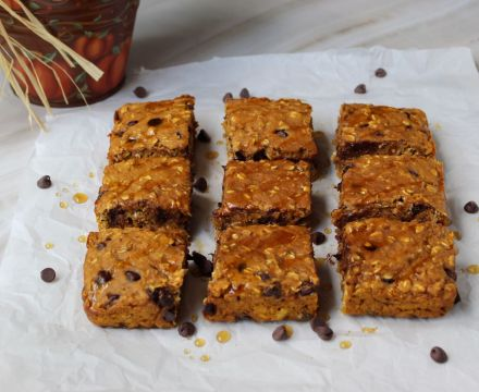 Easy One Bowl Pumpkin Oat Bars