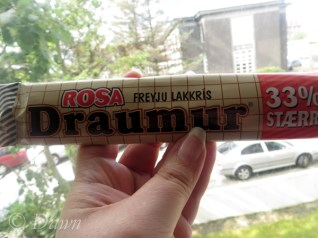 Chocolate filled with licorice - Draumur candy bar.