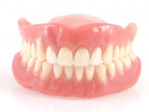 清潔活動假牙
