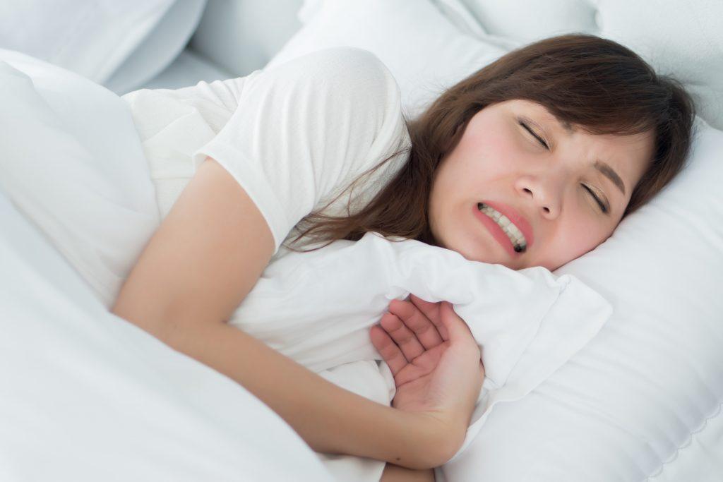 夜晚磨牙症狀
