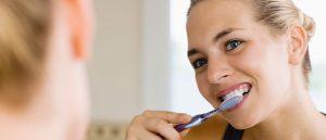 清潔牙齒不分大人
