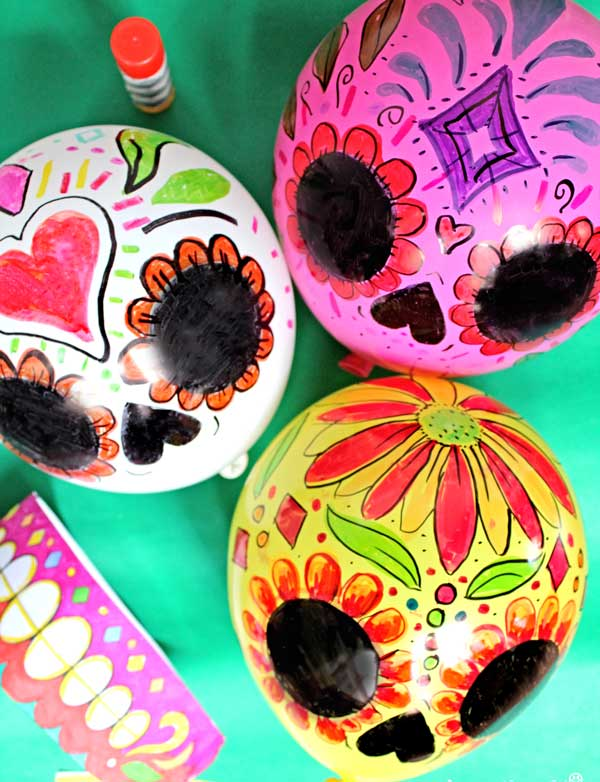 Color in your own balloon calavera skulls - instructions and DIY template