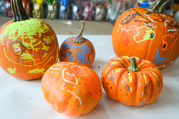 PUMPKIN DECORATING 10