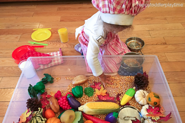 THANKSGIVING DINNER SENSORY BIN 1