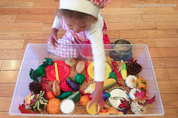 THANKSGIVING DINNER SENSORY BIN 4