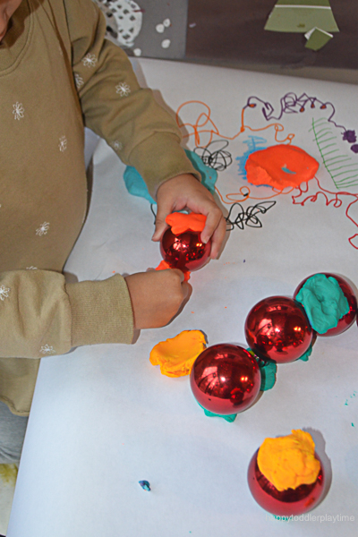 PLAYDOH & BAUBLES 5