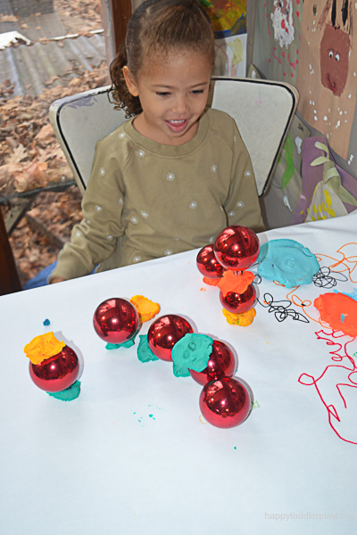 PLAYDOH & BAUBLES 6