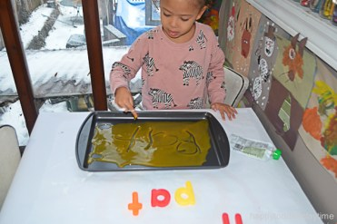 BABY FOOD WRITING TRAY 12