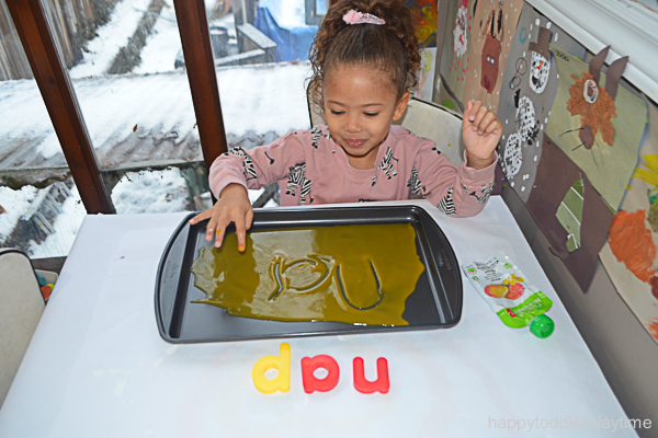 BABY FOOD WRITING TRAY 8