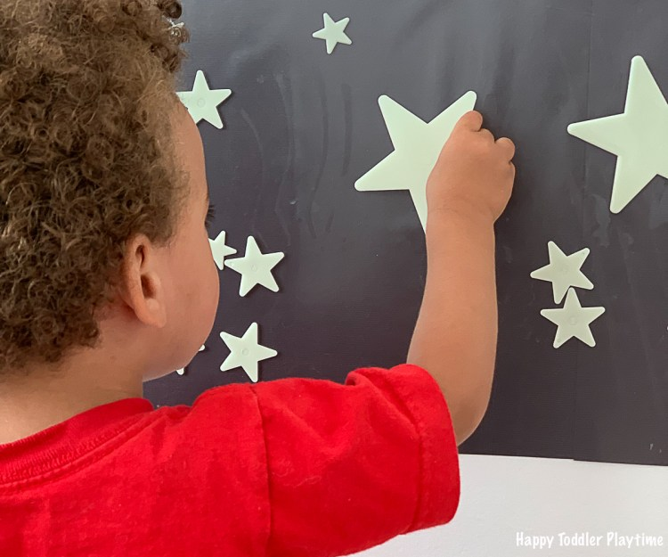 star contact paper activity for toddlers and preschoolers