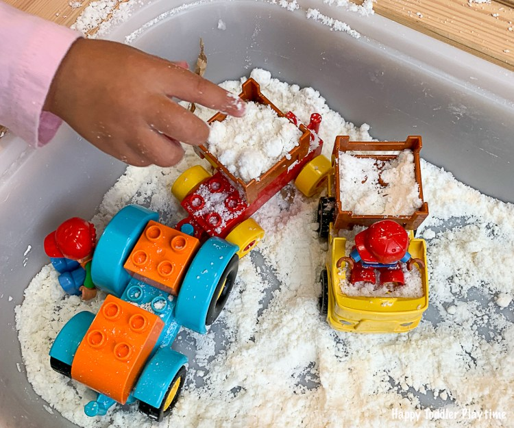 reindeer farm sensory bin Christmas and winter sensory activity for toddlers and preschoolers