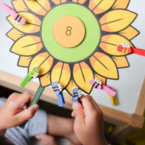 Peg a bee garden theme counting activity for kids