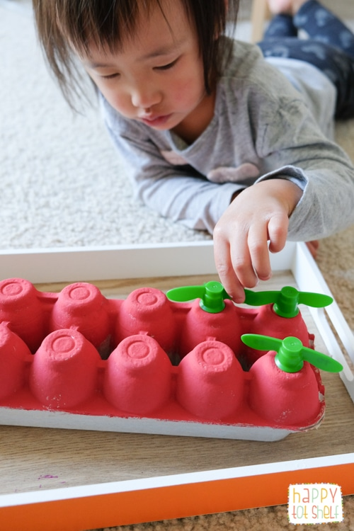 Apple theme fine motor skill activity for toddlers