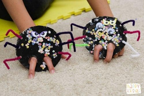 Spider finger puppet