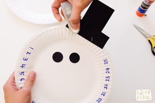 Paper plate snowman countdown craft
