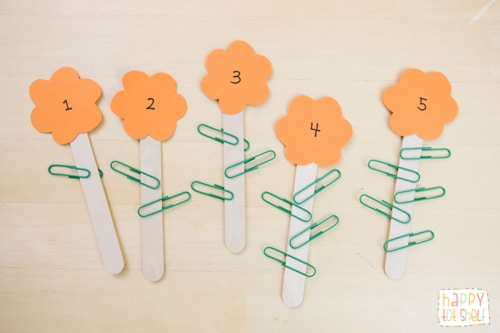 1 to 1 correspondence counting with paper clip leaves