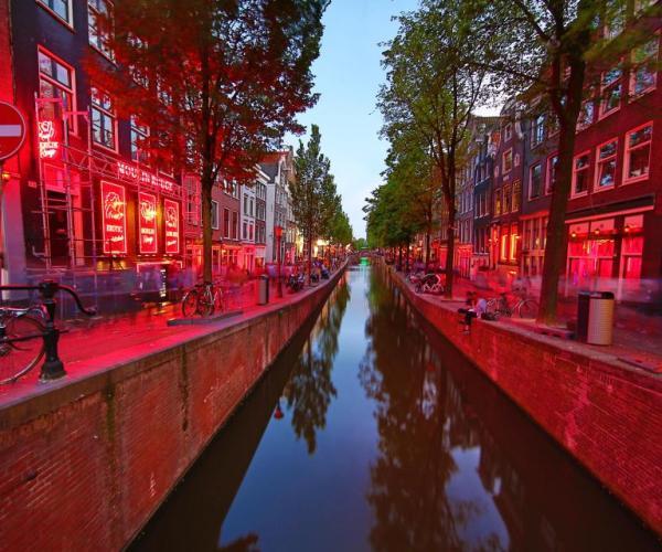 Амстердам. Улица красных фонарей