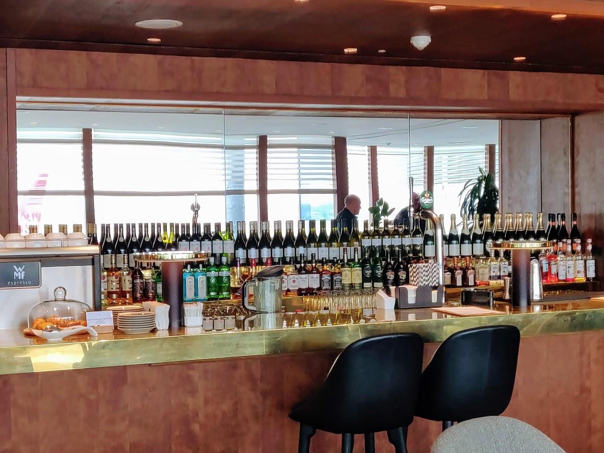 Business Class Bar