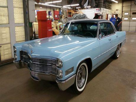 Bluella 1966 Cadillac 800x600 (29)
