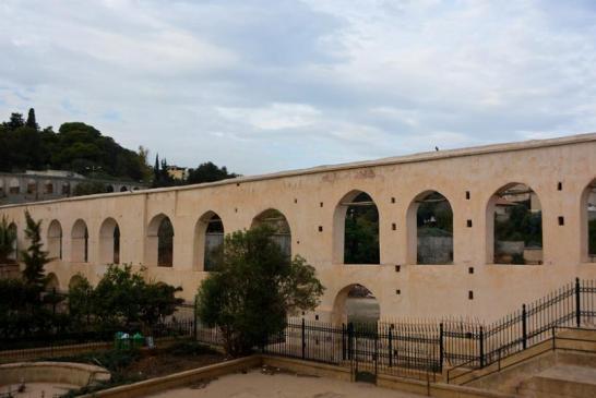Aqueduc de Ain Zeboudja (Val d'Hydra)