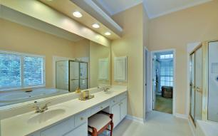 3536-wake-run-court-large-017-12-master-bath-1500x938-72dpi
