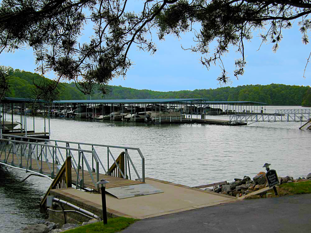 Harbour Point Marina