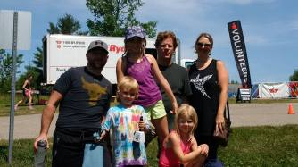 More awesome spectators! Rob and Lisa and their kids, who make fantastic fans!