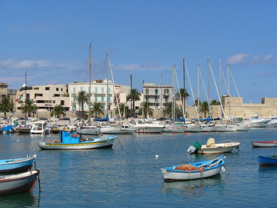 The_port_of_Bari,_Italy_(L._Massoptier).jpg