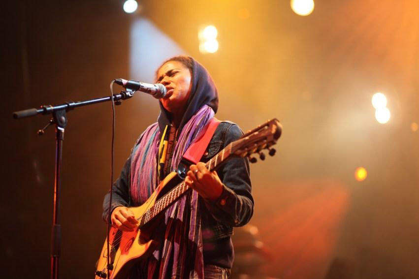 Nneka Guitar