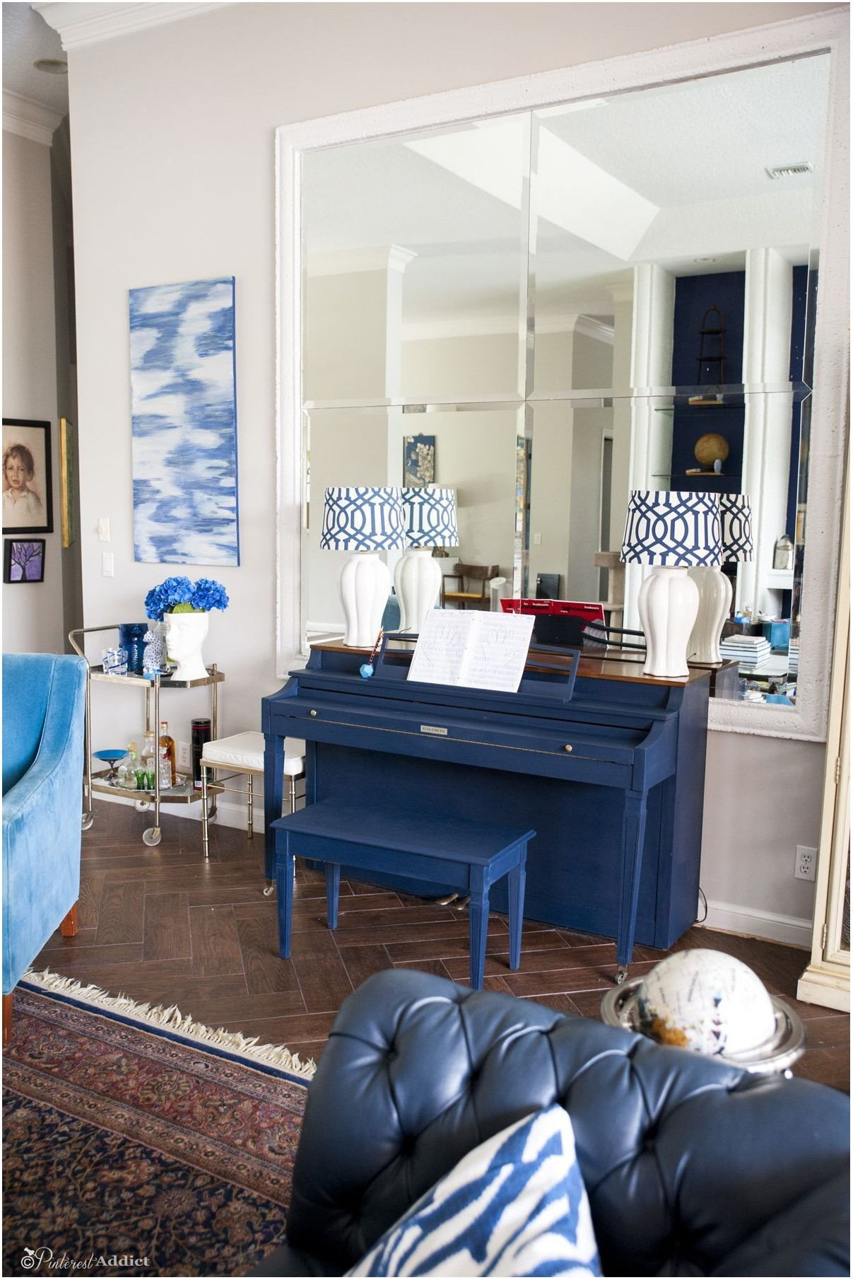 Living Rooms With Chalk Painted Furniture