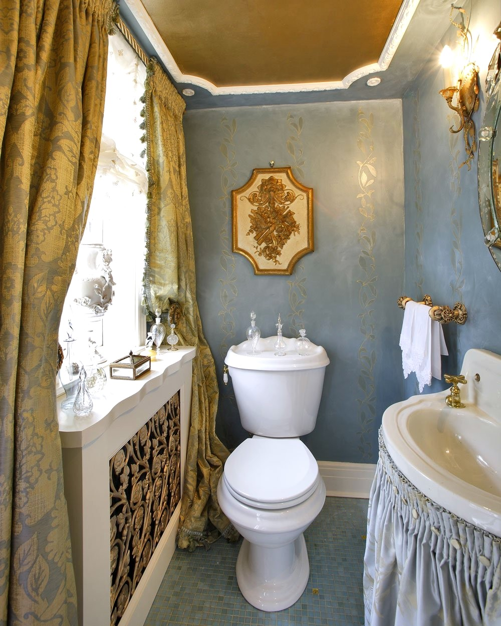 Bathroom Paint Colors With Gold Fixtures