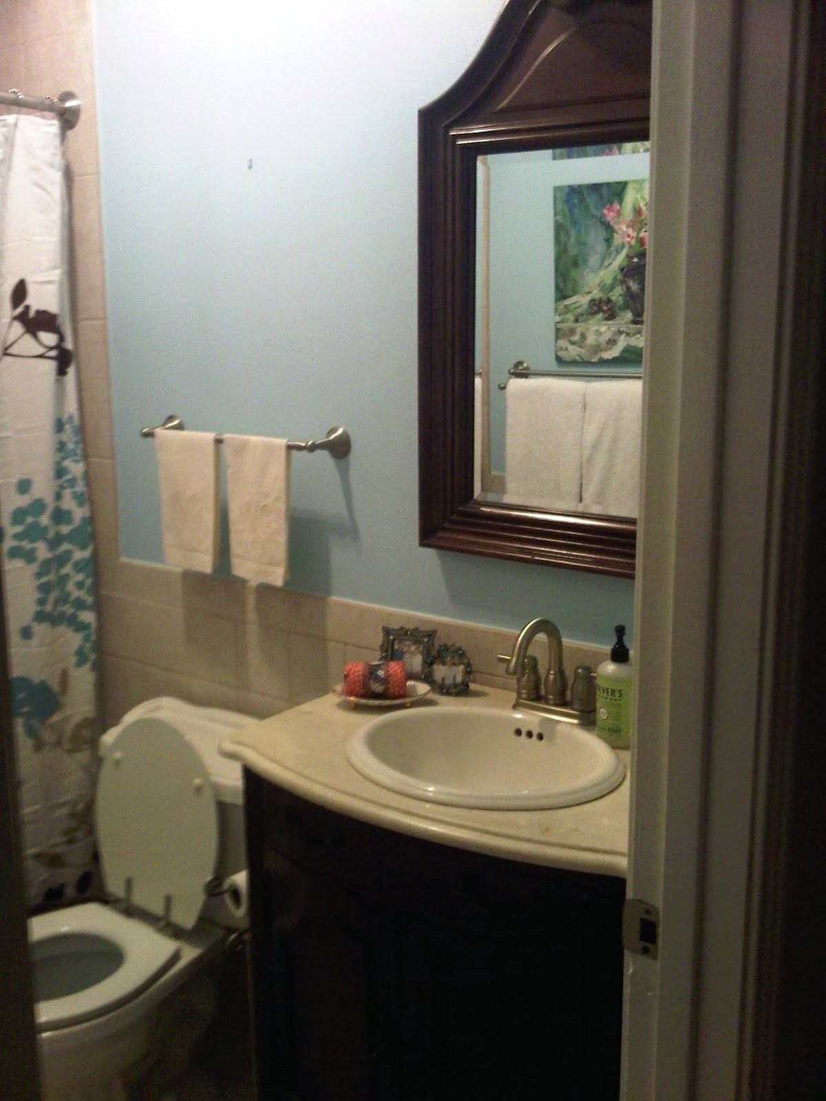 Best White Paint Colors For Bathroom