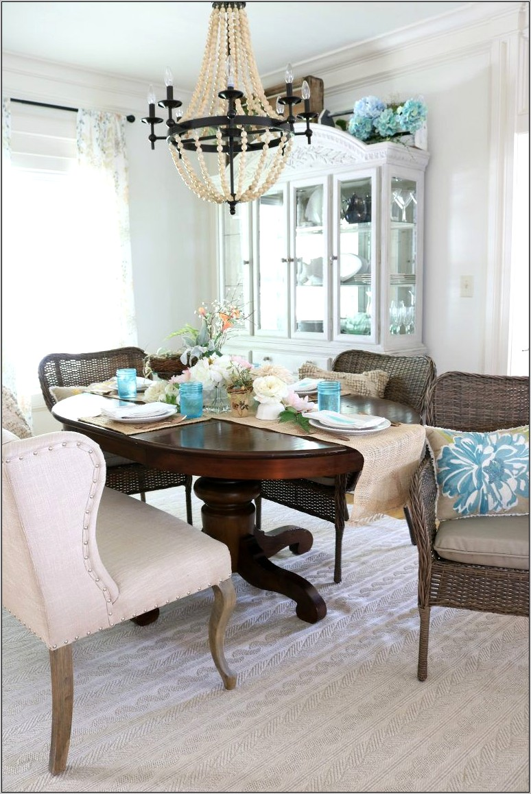 Casual Dining Room Decor
