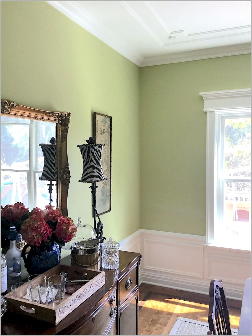 Decorating A Green Dining Room
