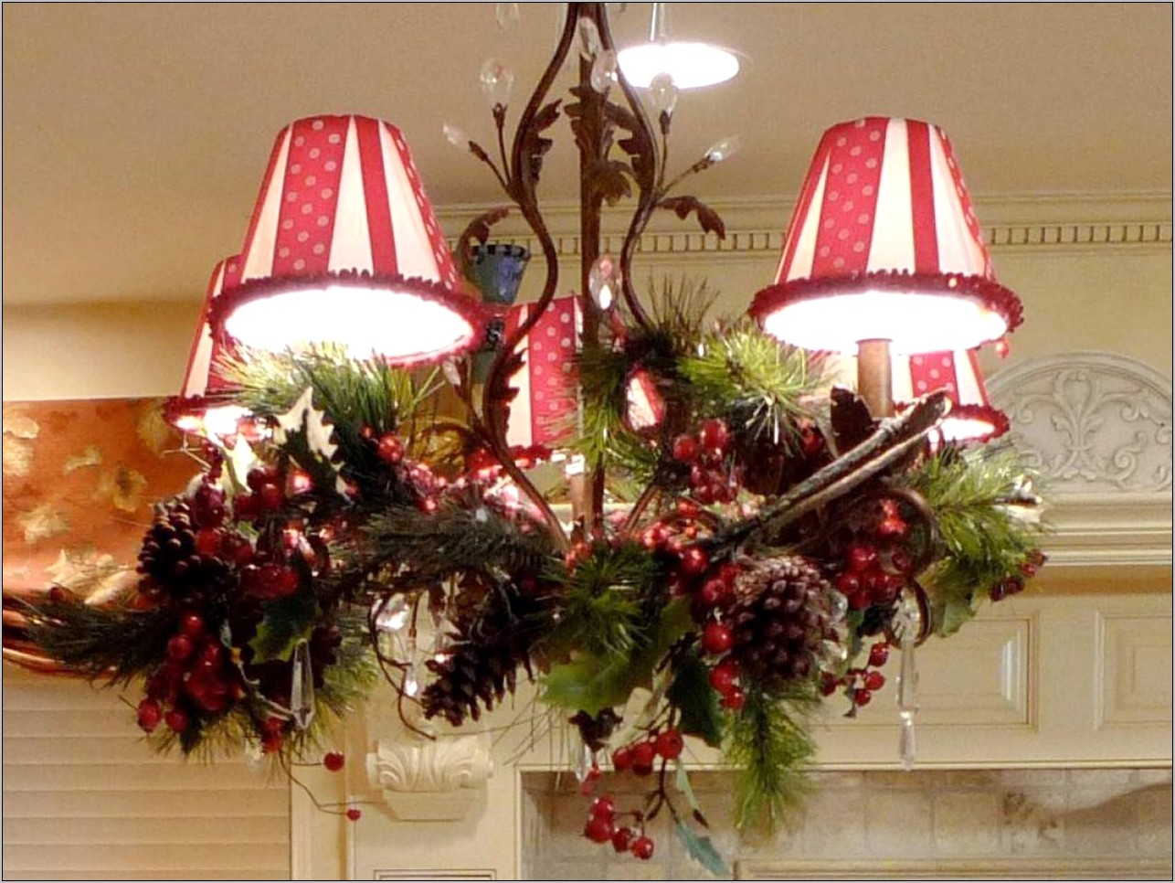 Decorating Dining Room Light Fixture For Christmas