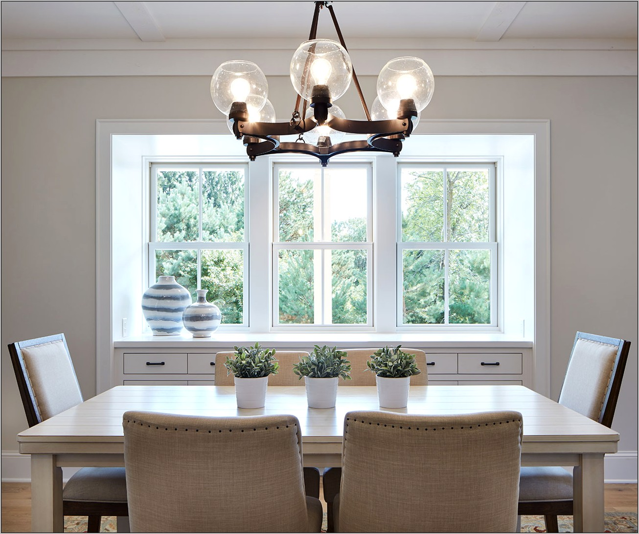 Decorating Ideas For Dining Room Windows