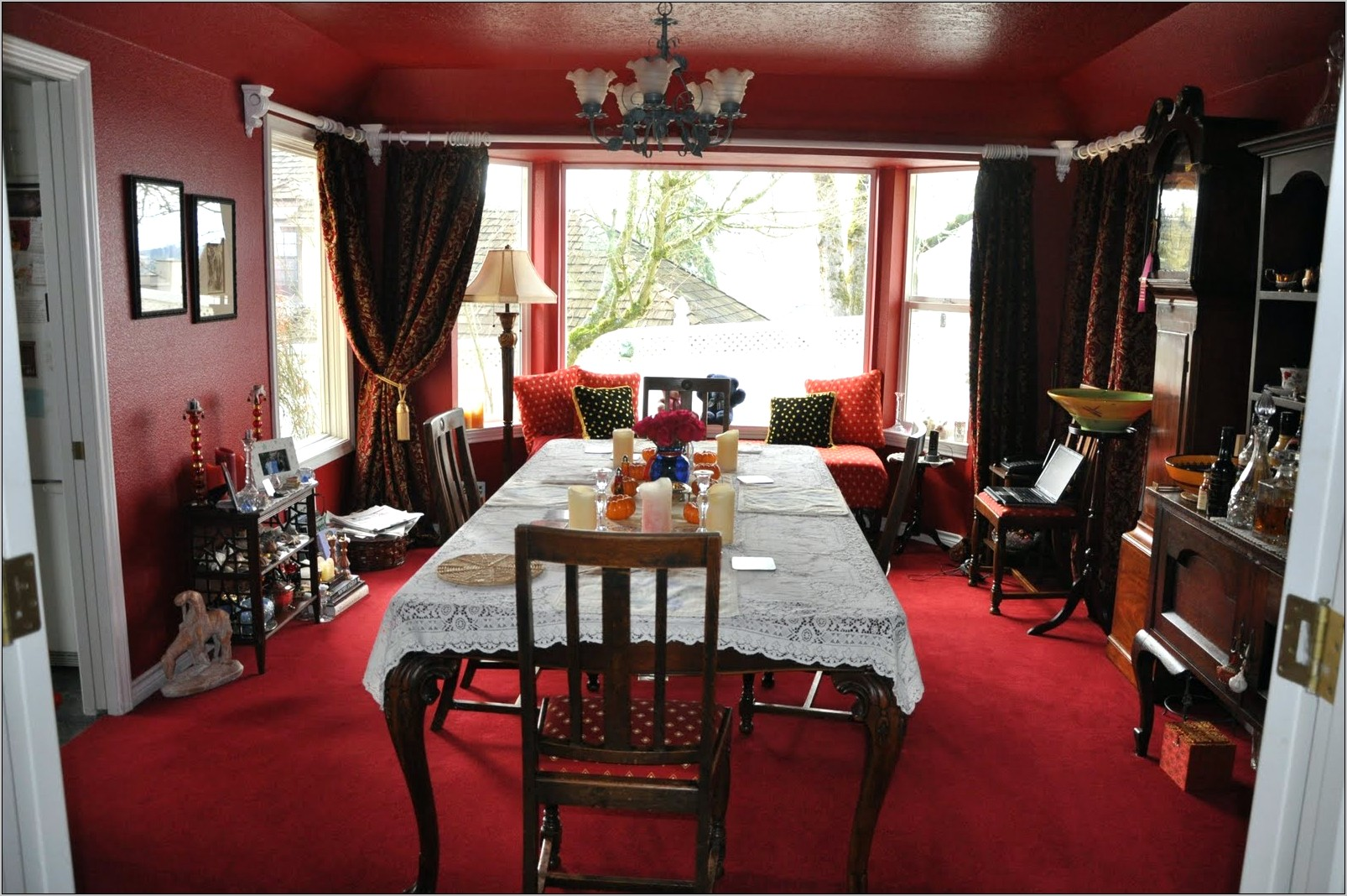 Red Dining Room Decorating Ideas