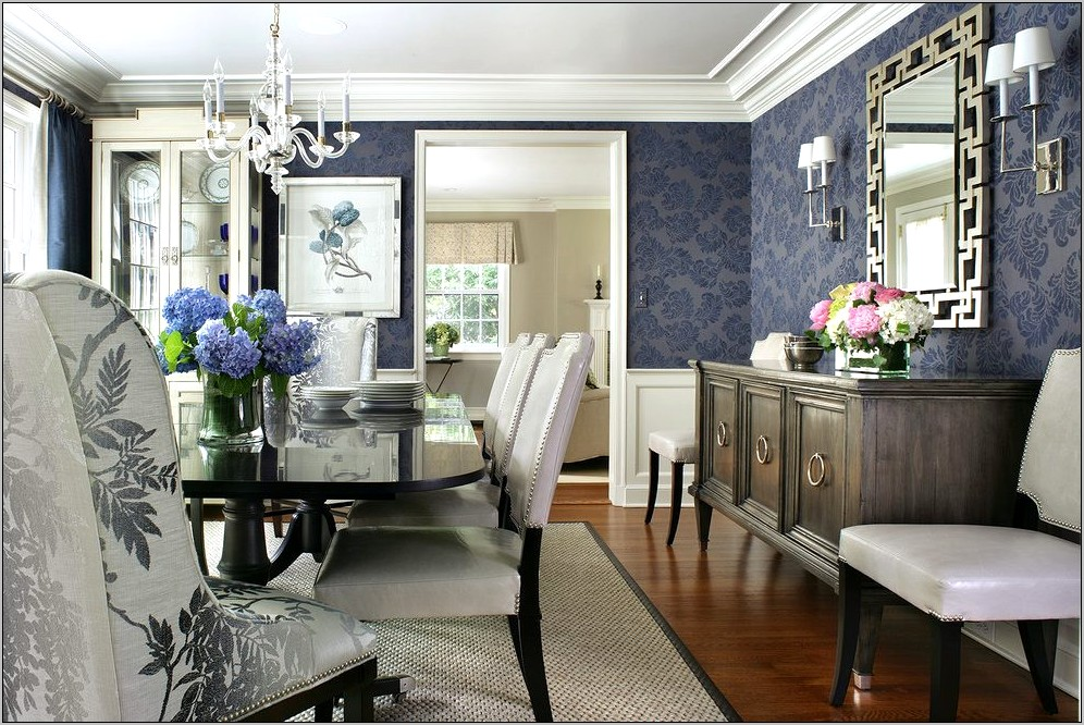 Traditional Dining Room Decorations
