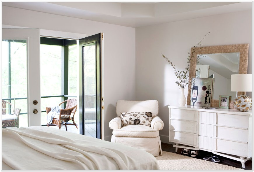 Bedroom Decorating With White Furniture