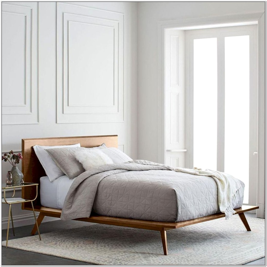 Bedroom With Decor Rug