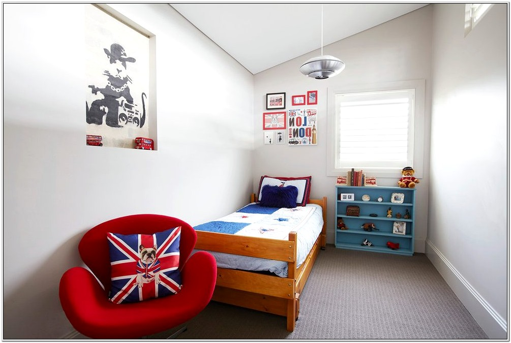 Bedroom With Sloped Ceiling Decor