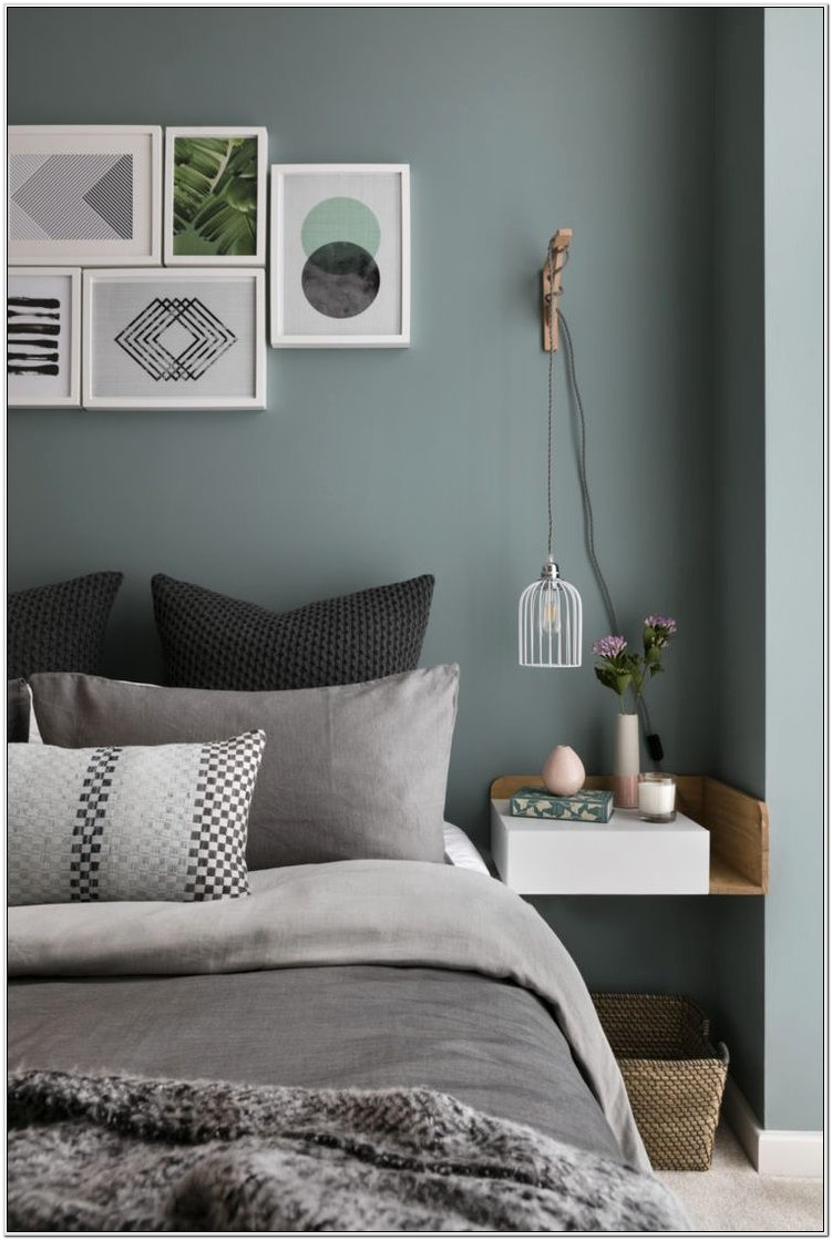 Bedrooms Decorated In Greens