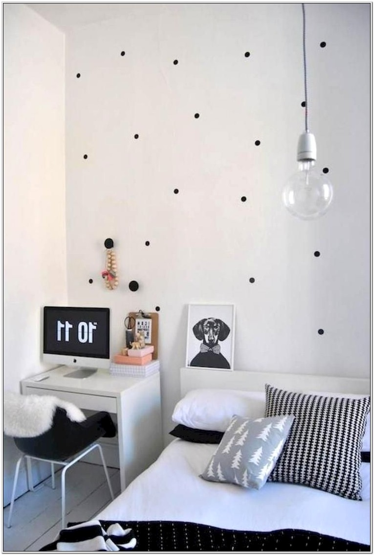 Black And White Woman Bedroom Decor