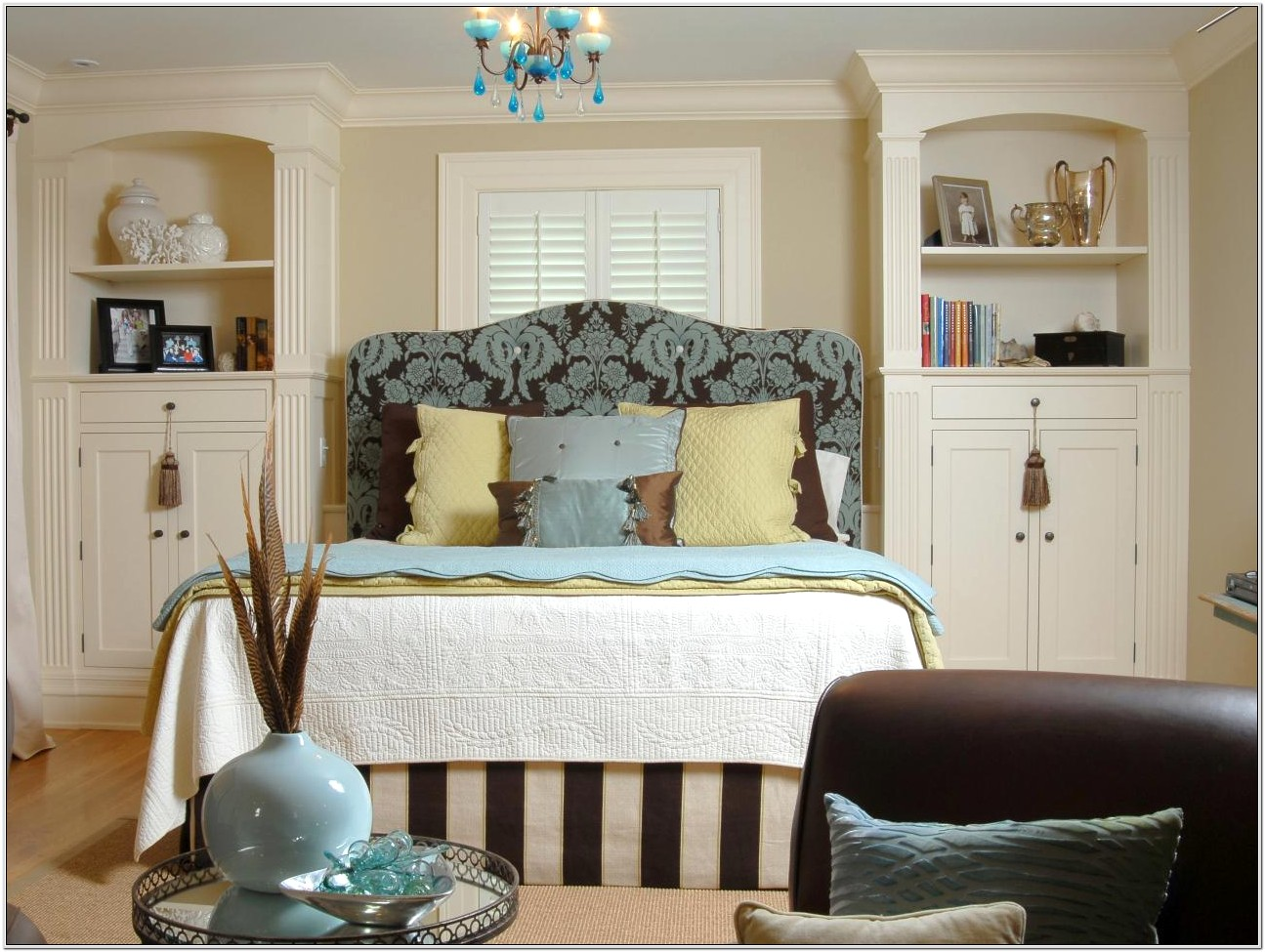 Clever Bedroom Decorating Ideas
