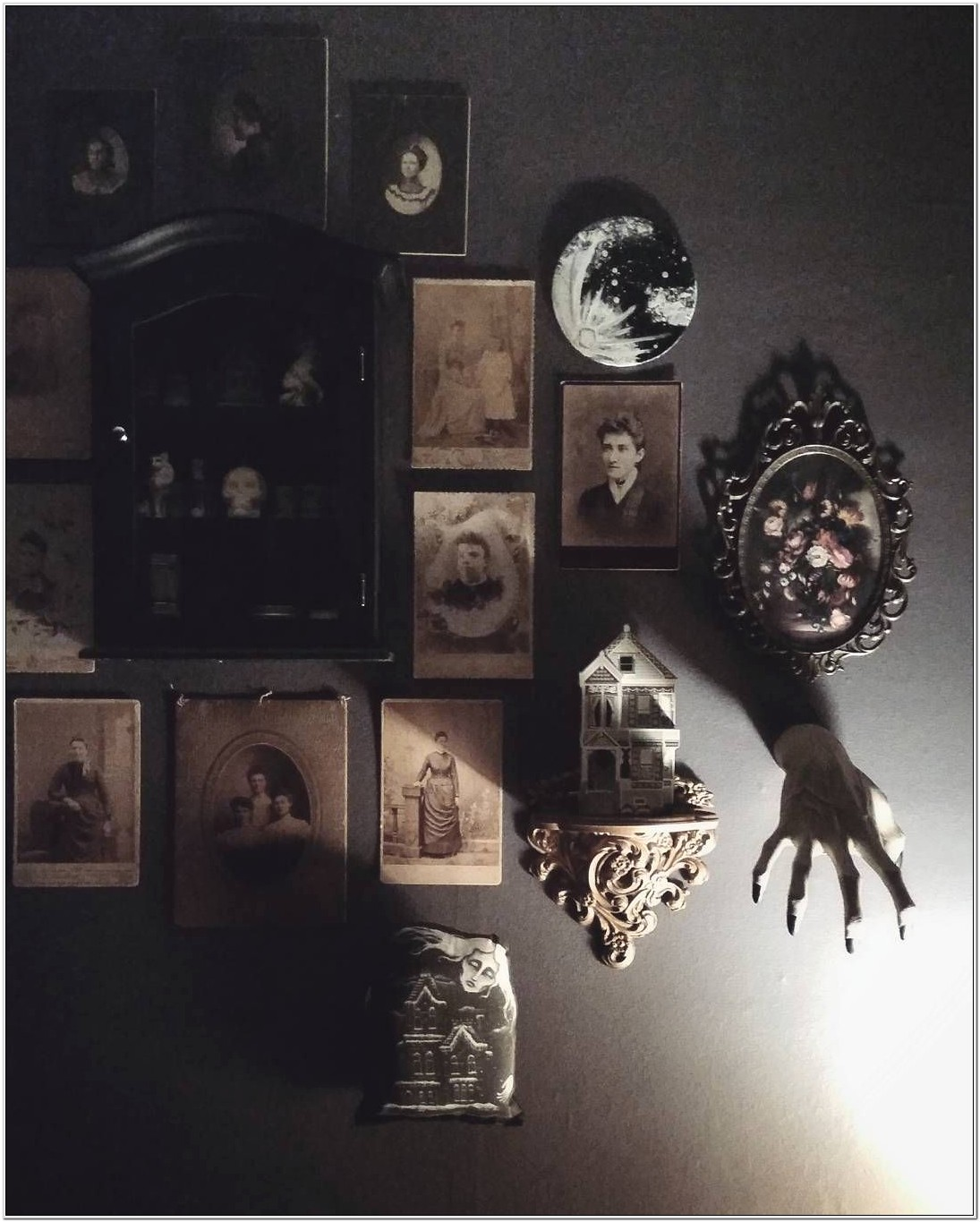 Creepy But Cool Bedroom Decorations