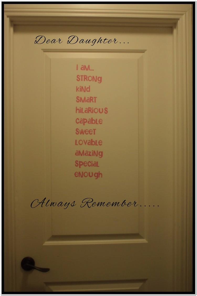 Cute Ways To Decorate Your Bedroom Door