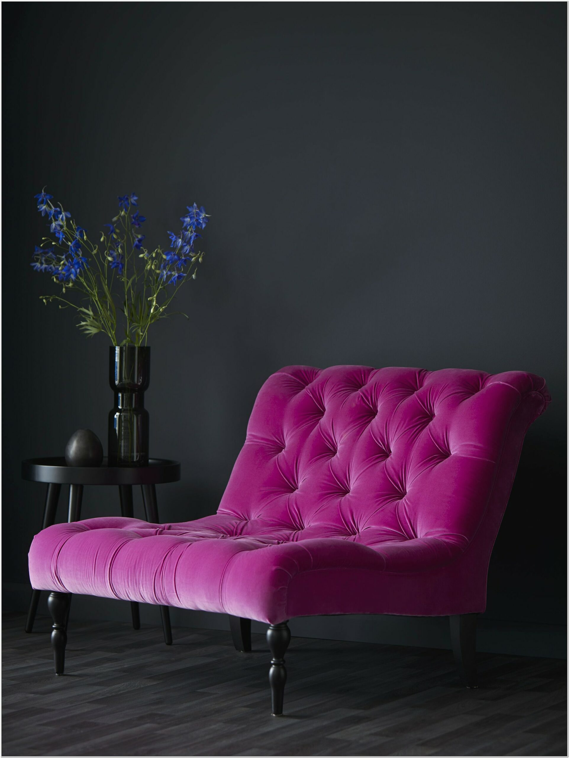 Decorate Living Room With Deep Pink