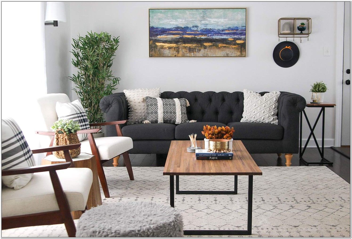 Decorate Living Room With Minimum Furniture