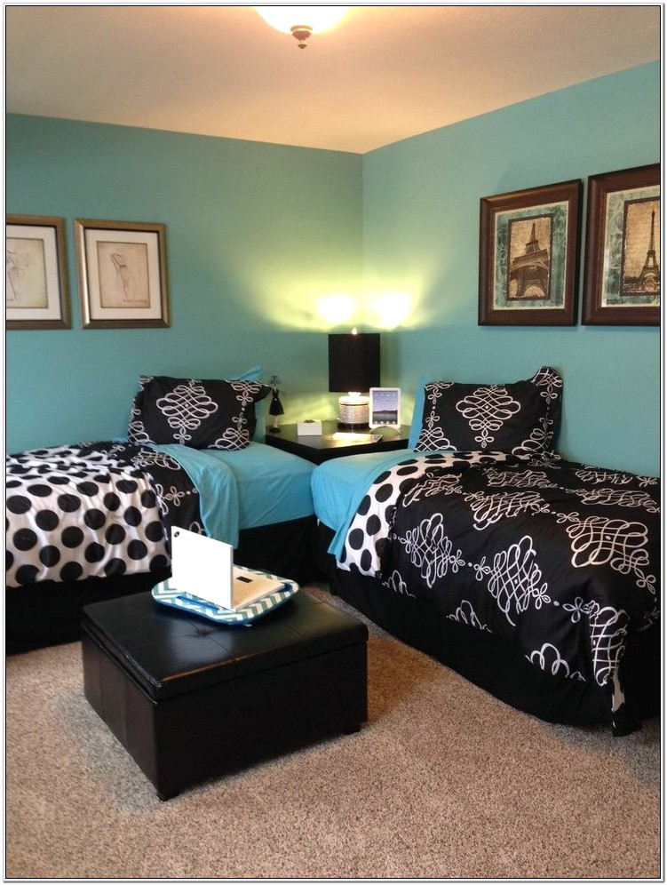 Decorating A Bedroom With 2 Twin Beds